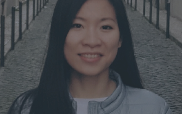 "Huyen ""I was thinking for a while about a change in my career path, but I couldn't risk to quit my job"""